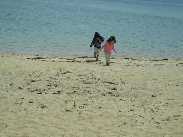 広い砂浜と、穏やかな海です_千里ヶ浜海水浴場