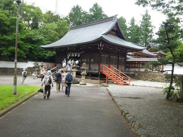 本殿への道_春日神社