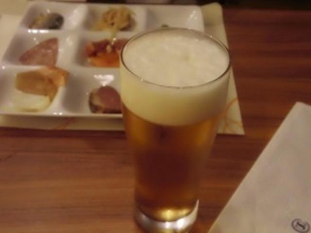 ディナービュッフェ  エクストラコールドビール 997円_神戸ベイシェラトンホテル&タワーズ テラスレストラン・ガーデンカフェ