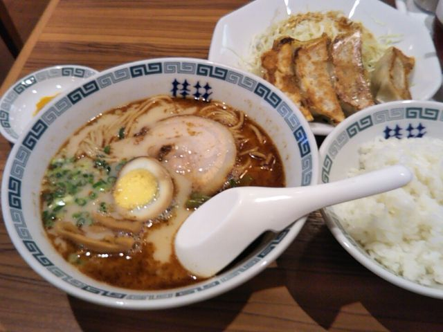 餃子定食、税込み800円です。_熊本ラーメン桂花本店