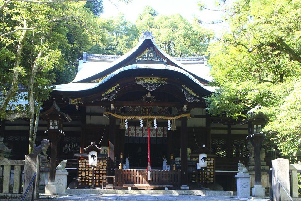 東天王岡崎神社
