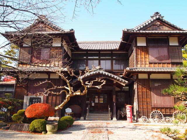 重厚な建物_松坂城跡(松阪公園)