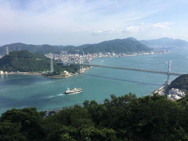 火の山公園山頂から。_関門海峡