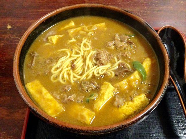 特カレーうどん。中華麺バージョン。_日の出うどん