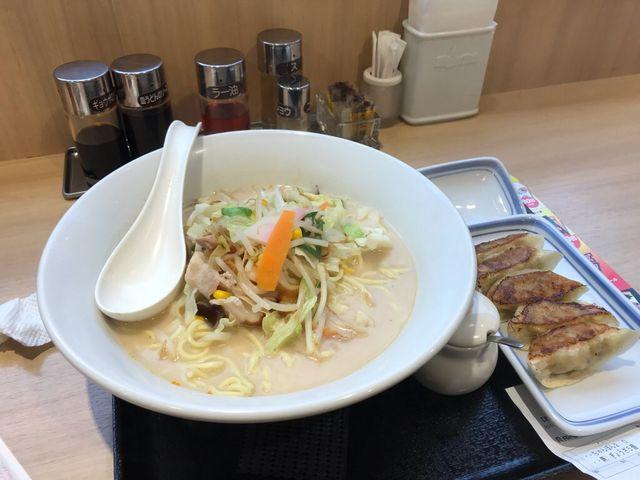 ちゃんぽんと餃子_リンガーハット 長崎出島店