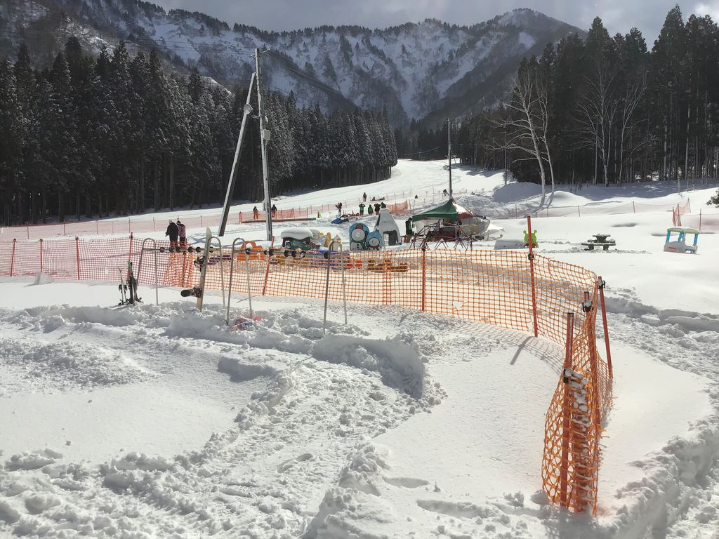 積雪 場 湯沢 スキー