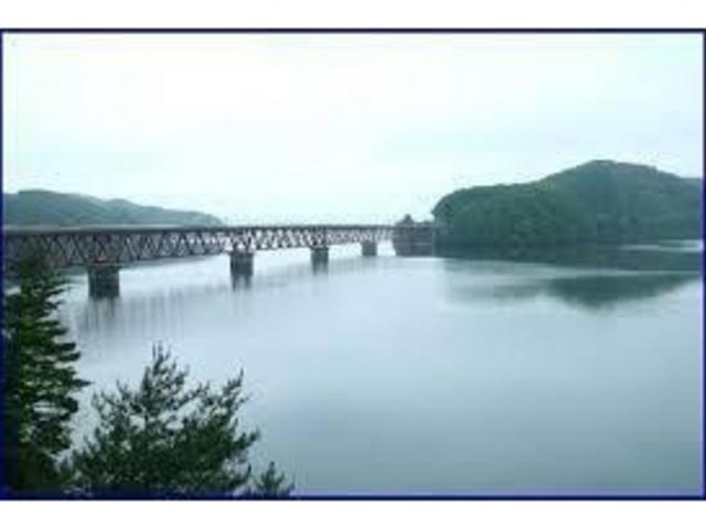 大きな湖です。_釜房湖
