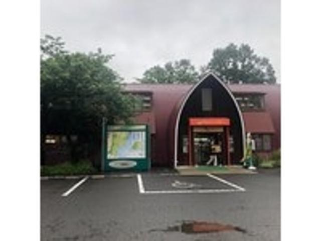 サイロを模した建物_財団法人蔵王酪農センターチーズハウス
