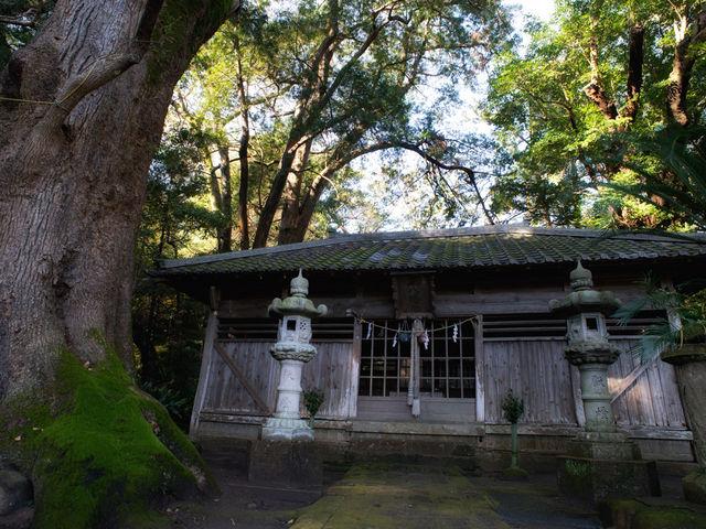 正面から。_吉佐美八幡神社