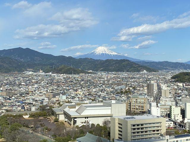 富士山や駿河湾が見え、とてもおすすめの無料展望台です!!_静岡県庁別館21階富士山展望ロビー