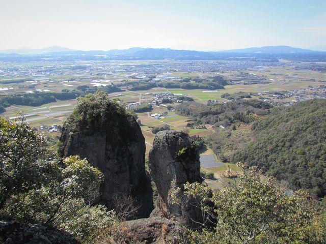 岩山の上に登って撮りました、風が強くて落ちると危ないので直ぐ下りました。_不動岩