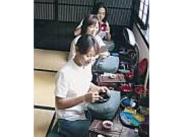 製作した器はその日のうちに持ち帰れる_輪島塗体験工房塗太郎
