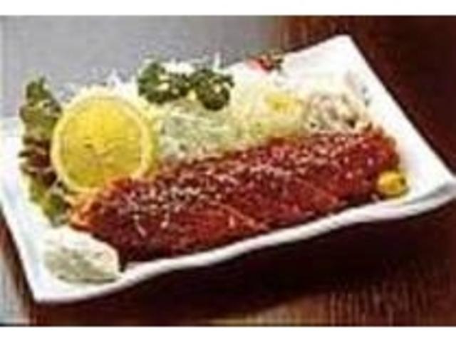 『まぐろステーキかつ』は秘伝のソースで_お食事処 大漁横丁