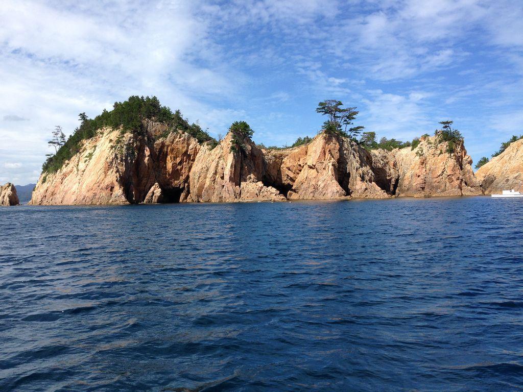 青海島観光遊覧船