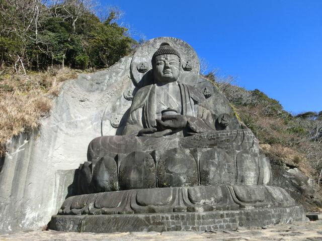 日本寺・薬師瑠璃光如来。昭和44年に復元されています。31.05mは日本一の大きさです。_鋸山