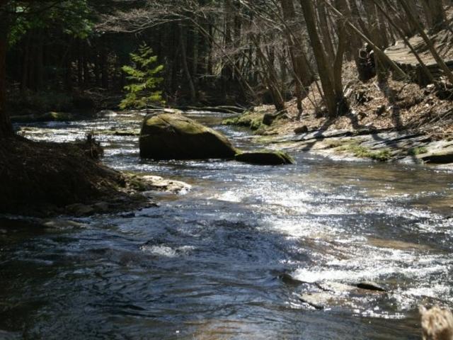 上部のなだらかな流れ_滝川渓谷