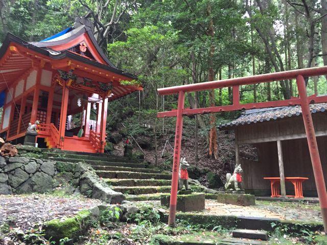 すぐ近くにある稲荷神社_鹿児島神宮