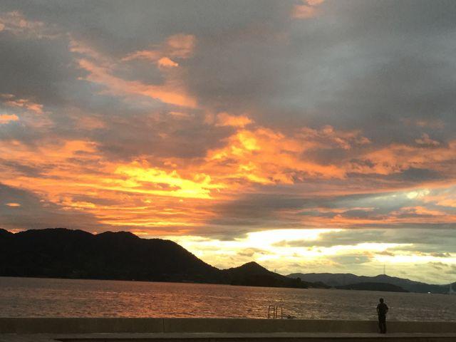 生口島サンセットビーチの夕陽_しまなみ海道