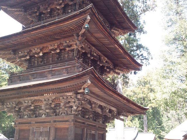 三重塔です。_若一王子神社