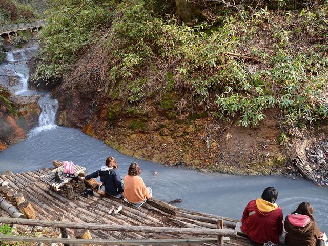 天然の足湯があり、とても癒されます。_登別温泉