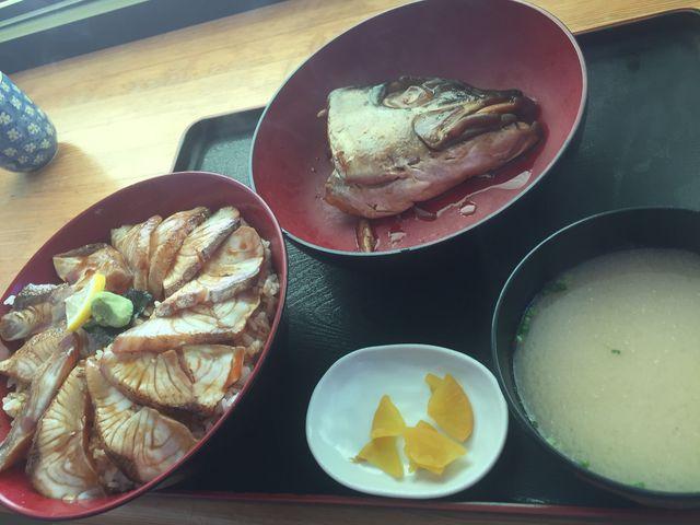 カンパチ炙り丼定食_みなと食堂