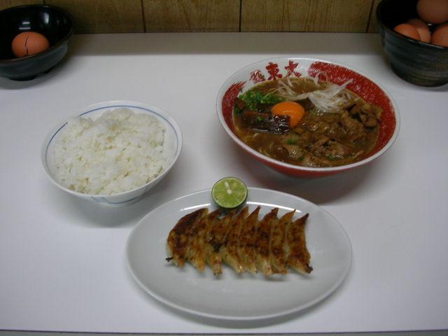 豪華なランチ_ラーメン東大・大道本店