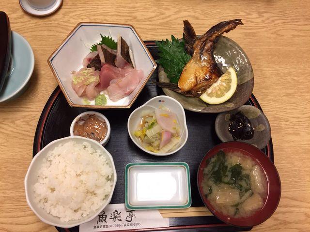 魚楽定食_魚楽亭