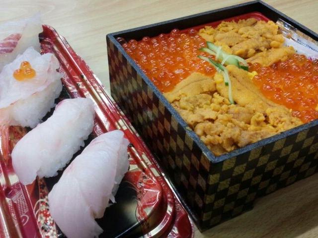 海鮮ちらし(ウニ&いくら)と鯛、のどくろの握り寿司_とれとれ市場 南紀白浜