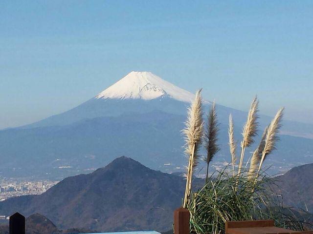 左側には駿河湾。目の前には富士山_伊豆パノラマパーク