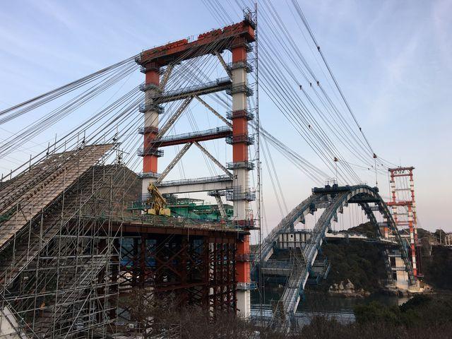新しい橋が架かっている途中です。_天門橋展望所