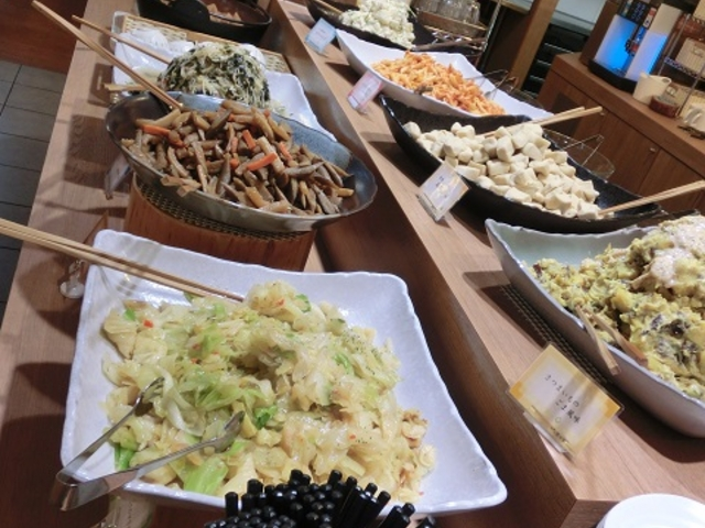 食べ放題のお惣菜_旬菜うちごはん 菜々家