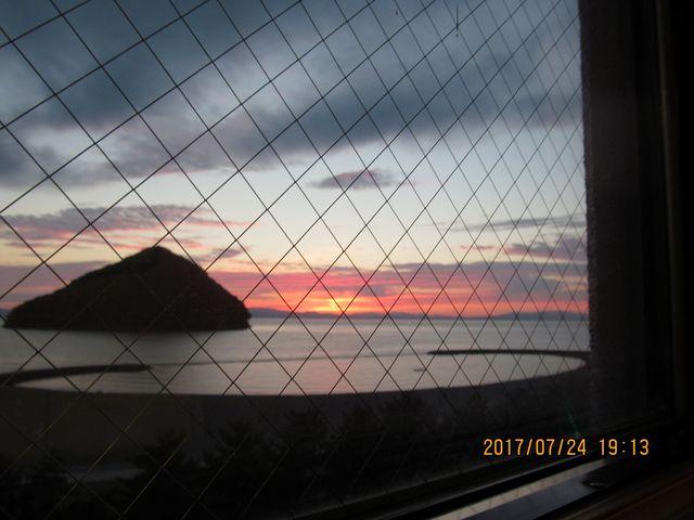 宿の窓から_浅虫海岸