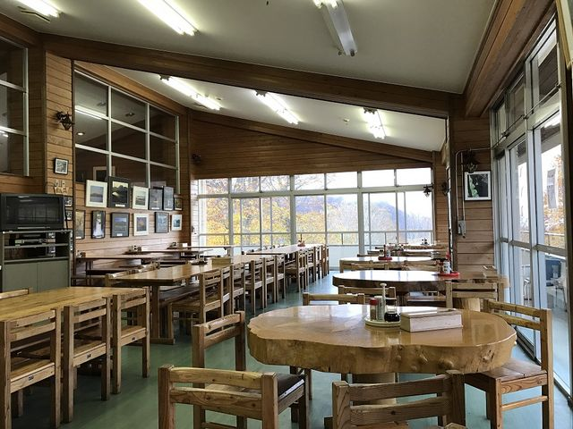 レストラン店内_笹ヶ峰牧場
