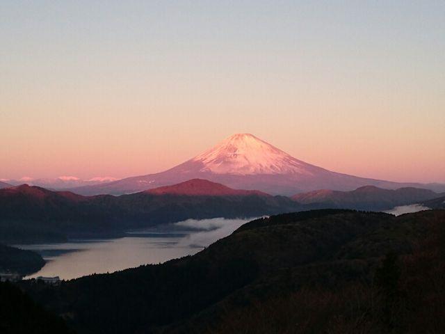 富士山(紅富士)と芦ノ湖2_大観山