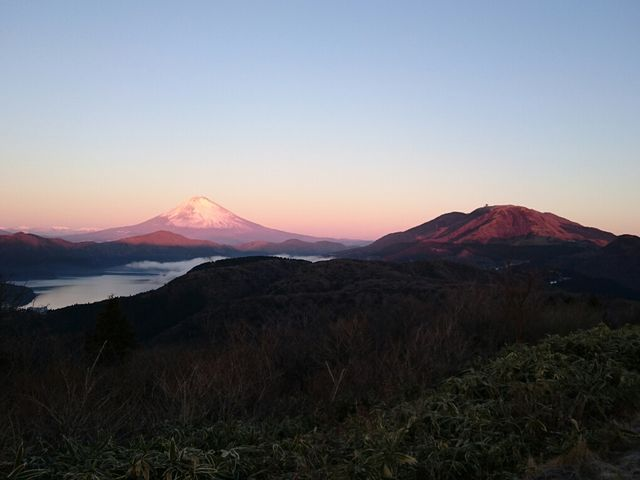 富士山(紅富士)と芦ノ湖と駒ヶ岳_大観山
