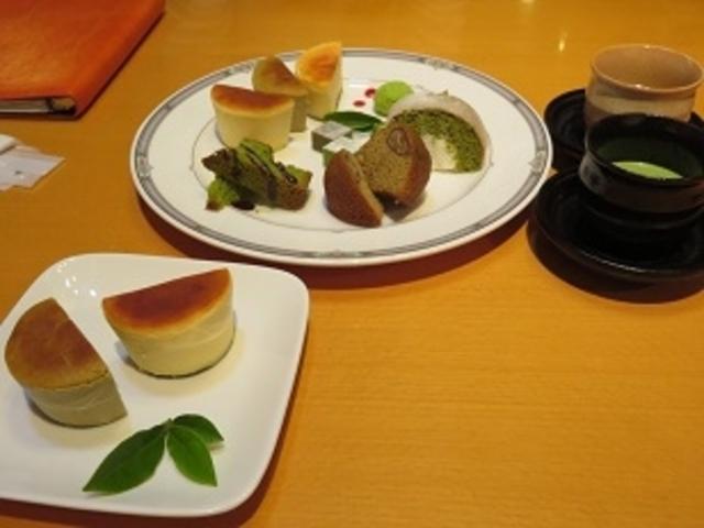茶フェ ゆるり チーズケーキとキャンパス_茶フェ ゆるり
