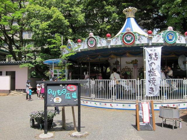 メリーゴーランドがあります。_三島市立公園 楽寿園
