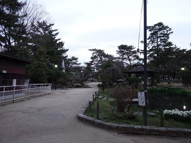 広々しています_亀城公園
