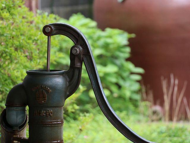 手汲みの井戸。_熊川宿
