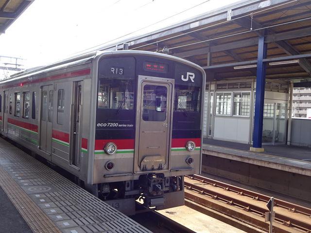 停車中の列車です_JR坂出駅