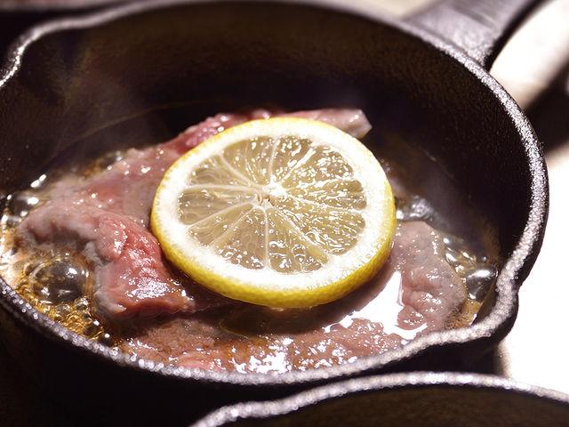 〈佐世保名物レモンステーキ〉焼きたてジューシーなレモンステーキを焼き立てでお召し上がり頂けます【ディナー】_ウォーターマークホテル長崎・ハウステンボス