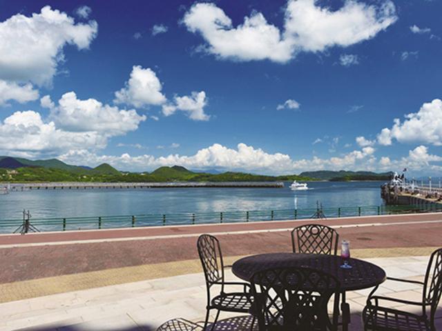 ホテル正面には穏やかな大村湾の景色が広がる_ウォーターマークホテル長崎・ハウステンボス