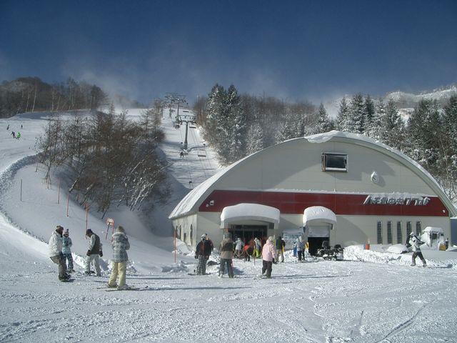 関西随一の規模と積雪を誇るハチ北スキー場。_ハチ北スキー場 CBレンタル