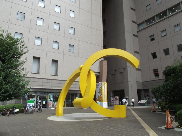 プラザスクエアーの一画_ラグザ大阪
