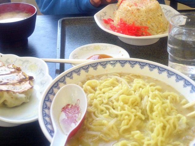 みそラーメンとチャーハン_食堂ニューミサ