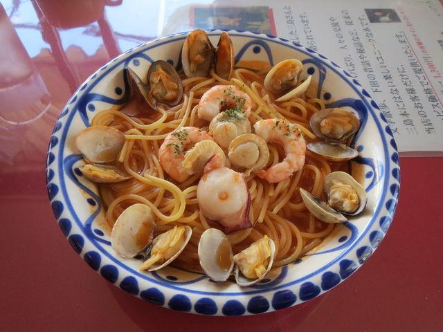 漁港のペスカトーレ_港のレストラン ポルトカーロ
