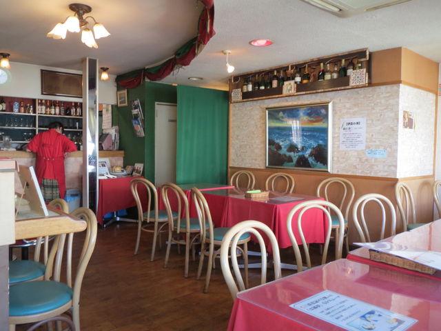 店内の様子_港のレストラン ポルトカーロ