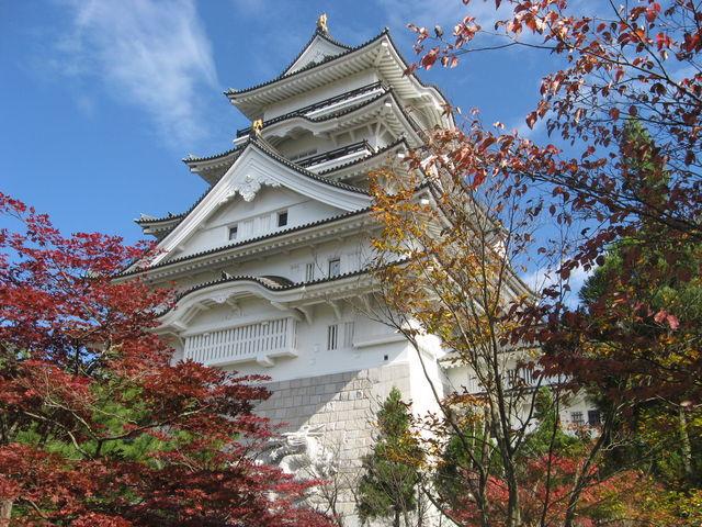 紅葉も良いですね~_勝山城博物館