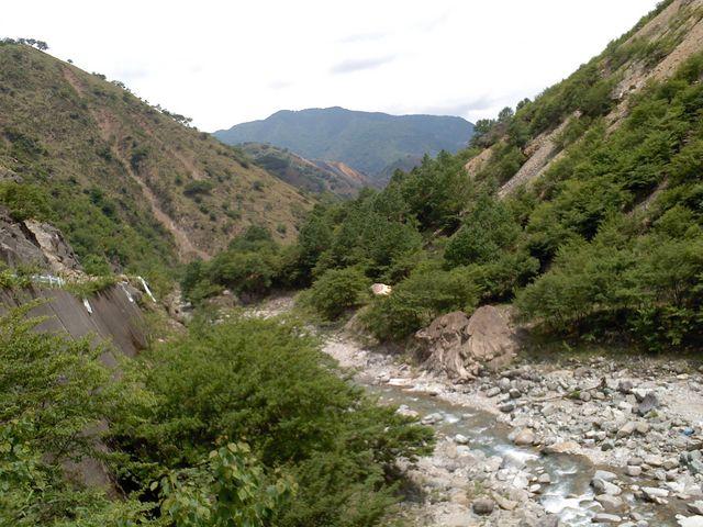道はすでに整備放棄されている_松木渓谷