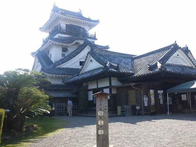 天気に恵まれ気持ちがいいです。懐徳館も面白かったなぁ。_高知城懐徳館
